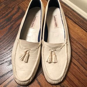 Worn authentic Bottega Veneta in off white loafers